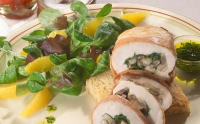 Champignon fyldte kyllingebryst på sprød crouton med persilleolie